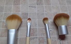 Кисти макияж